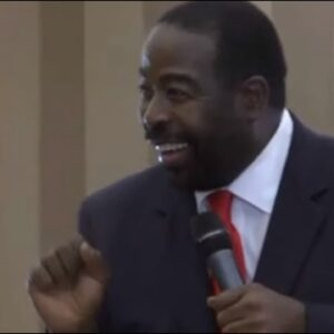 LEAN INTO LIFE - Les Brown