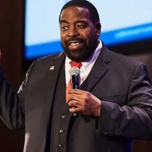 KEEPING IT MOVING - Les Brown